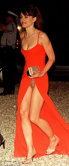 Enlarge Liz Hurley
