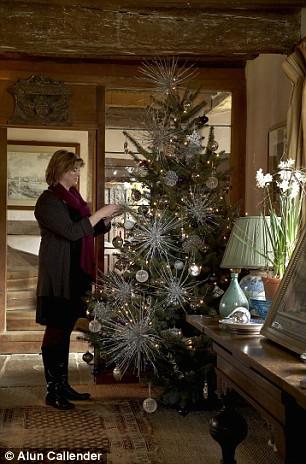Sarah Ravens festive fairy tale at Sissinghurst  Daily Mail Online
