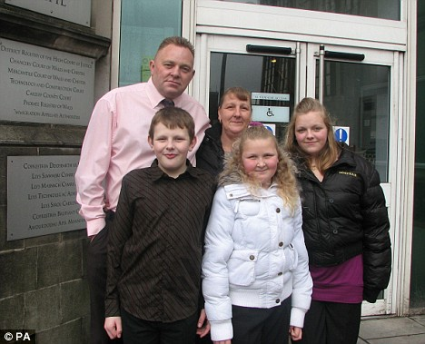 Tim Williams, wife Gina and family
