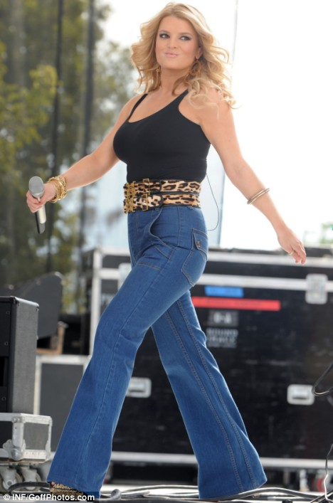 Jessica Simpson performs at the
