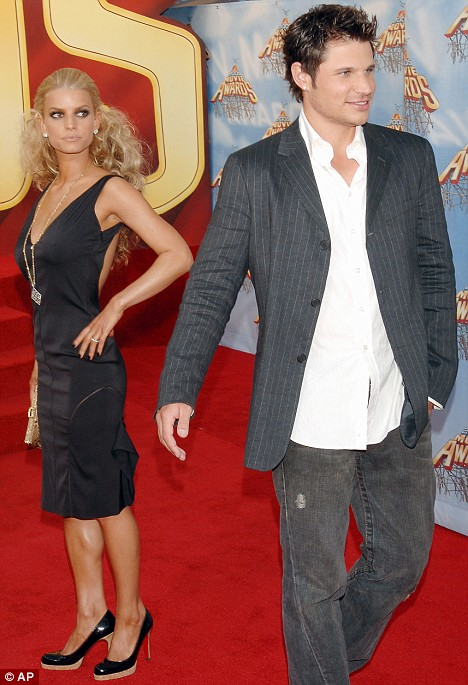 Jessica Simpson and her husband, Nick Lachey arrive for the MTV Movie Awards Saturday, June 4, 2005