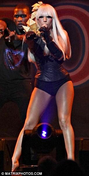 So who copied who Lookalikes Lady GaGa and Christina
