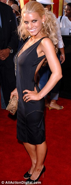 ESSICA SIMPSON at the 2005 MTV Movie Awards at the Shrine Auditorium.
