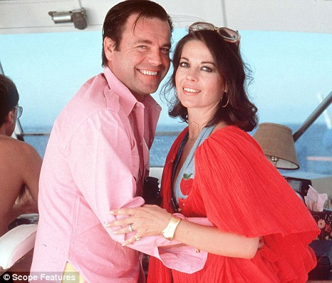 Natalie Wood and husband Robert Wagner on their boat Splendor two weeks before she died, 1981