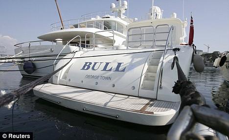 Bernie Madoffs Yacht Bull Still Cant Find A Buyer Despite Half Price Sale Daily Mail Online