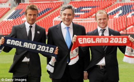 Gordon Brown with David Beckham and Wayne Rooney at the launch of England's bid to host the football World Cup