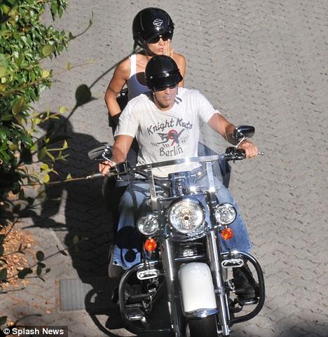 Elisabbetta Canalis e George Clooney
