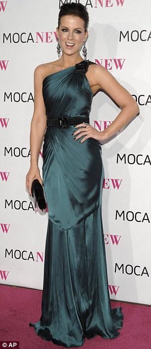 Kate Beckinsale arrives at The Museum of Contemporary Art's 30th anniversary gala