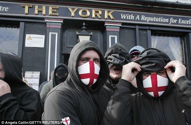 EDL members meet at a rendezvous pub