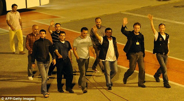 Turkish journalists expelled from Israel wave as they land at Istanbul airporttoday