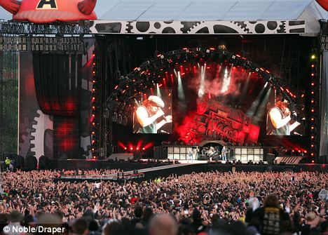 picture of a living room cartoon island style decorating ac/dc show no sign slowing down with display that ...
