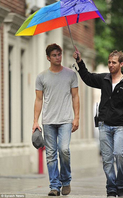 Chace Crawford needs an assistant to hold his umbrella