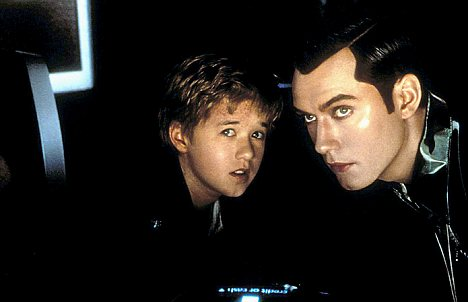 Haley Joel Osment plays a robotic son alongside Jude Law in  Artificial Intelligence