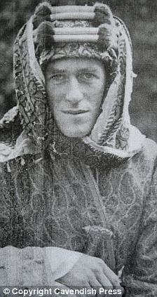 a biography of colonel te lawrence lawrence of arabia The british writer te lawrence was born in north wales in 1888 and educated  at oxford high school and jesus college, oxford from 1911 to 1914 lawrence .