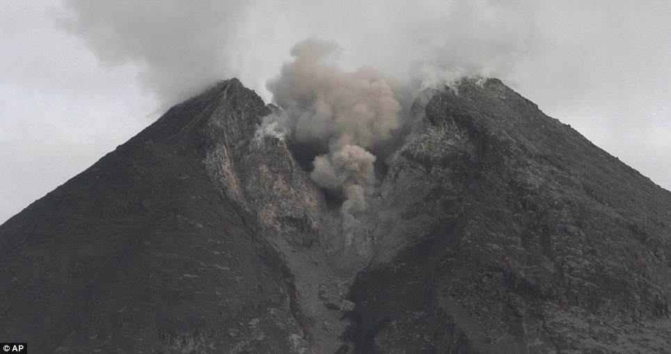 An enormous fissure has developed at the top of Mount Merapi since it first erupted earlier last week. The volcano is one of the world's most active