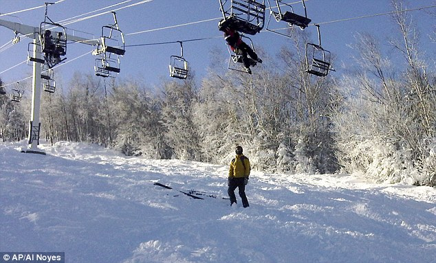 Sugarloaf ski lift accident 6 skiers injured and 200 left
