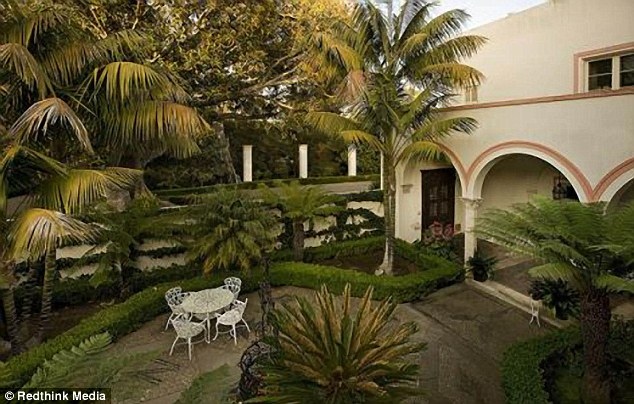 wine country living room i need help decorating my drew barrymore buys $7m mansion in oprah winfrey and john ...
