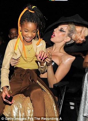 Lady Gaga Grammys 2011 : grammys, Grammys, 2011:, Bursts, Stage, After, Carpet, Entrance, Daily, Online