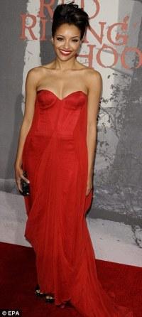 Amanda Seyfried dons short purple dress to Red Riding Hood ...