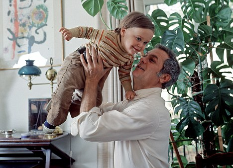Curtis picks up his son Nicholas, who succumbed to a heroin overdose during 1994