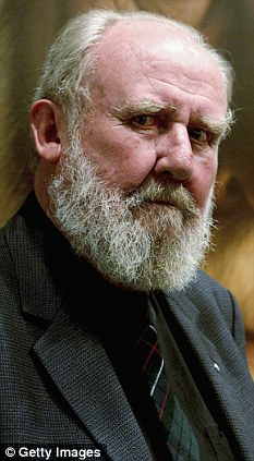 Iconic Australian actor Bill Hunter dies from cancer aged
