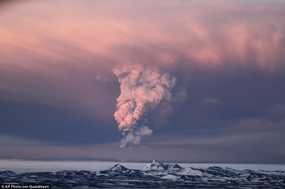 Huge eruption: Smoke plumes from the Grimsvotn volcano about 120 miles east of Rejkjavik
