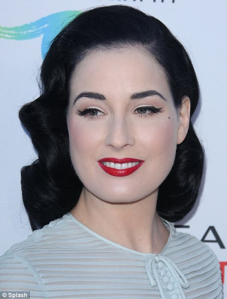 Dita Von Teese Reveals Her DIY Beauty Routine Daily Mail