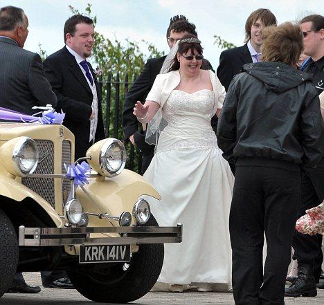 Pat Higgins 58 Marries Toyboy 32 Years Her Junior In