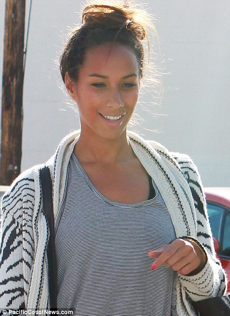 Leona Lewis Goes Back To Her Pretty Natural Look While