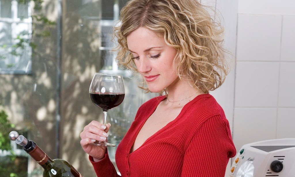 Just half a glass of wine a day 'raises risk of breast ...
