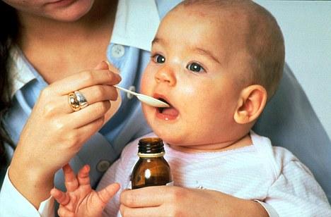 Enfermedad: Cortar ciertos alimentos puede ayudar a los niños enfermos, pero la medicina también puede ayudar a mejorar la salud en estas circunstancias