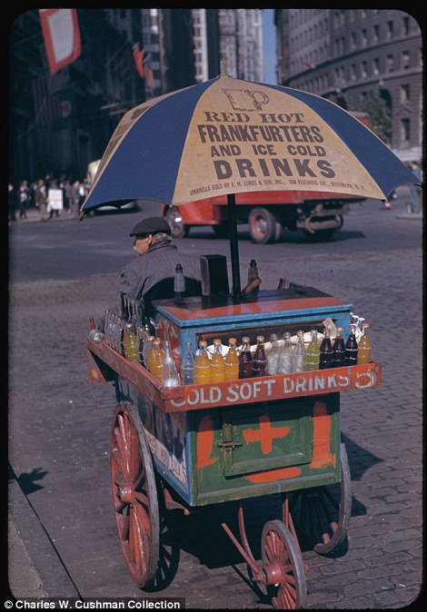 Portable soft drink stand at Bowling Green Oct. 1, 1942