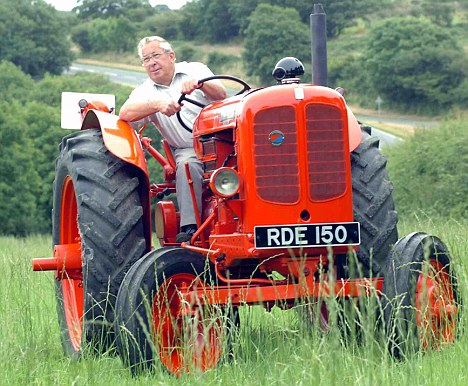 Falling Money Hd Wallpaper The Gardener And The Mean Machine That S Got The X Tractor