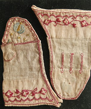 Princess Charlotte mittens ñ hand embroidered linen mittens worn by the daughter of George IV and Caroline of Brunswick