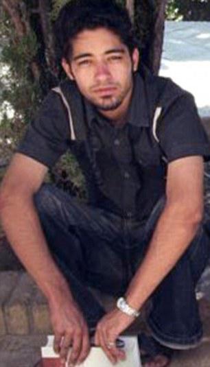 Roto el hombre: Behnam Ganji fue encarcelado durante ocho días en Evin, en Teherán y se negó a decirle a nadie lo que le ocurrió allí en su puesta en libertad, pero luego se suicidó