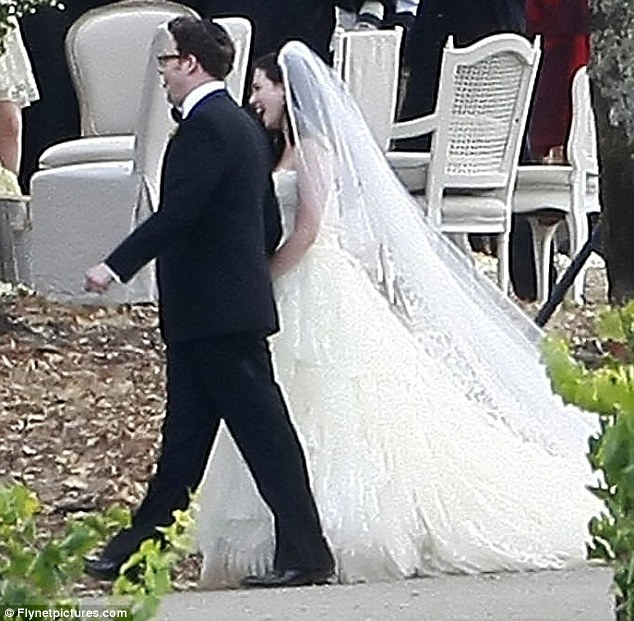 Seth Rogen wedding 5050 star marries girlfriend Lauren