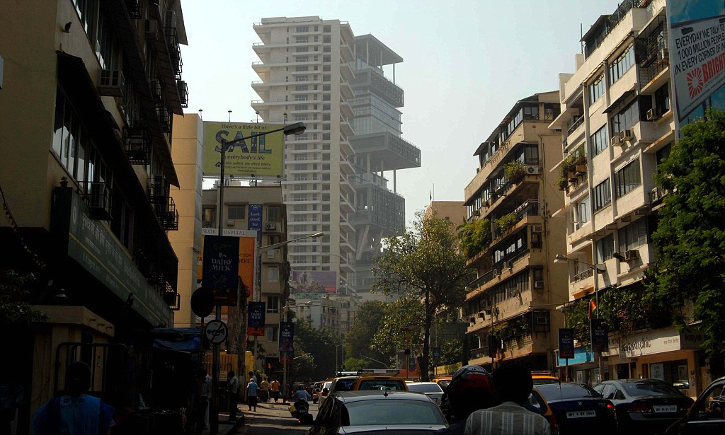 World's most expensive house Antilia in Mumbai lies abandoned | Daily Mail Online