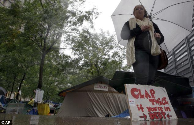 Desgastado por el tiempo: el alcalde Bloomberg ha culpado a las continuas protestas en el otoño caliente