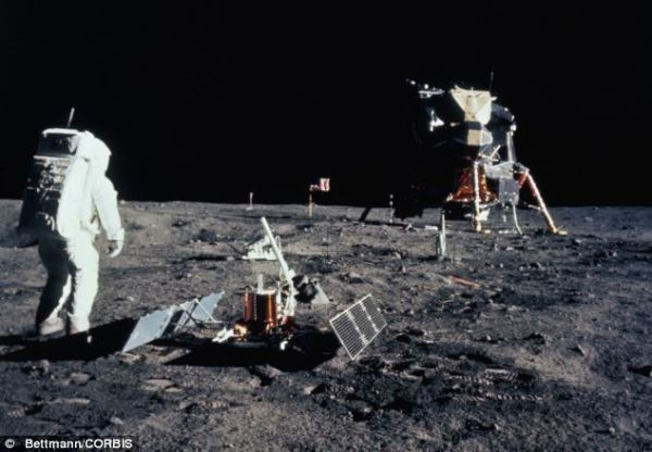 Moon tourists given guidelines by Nasa in bid to preserve