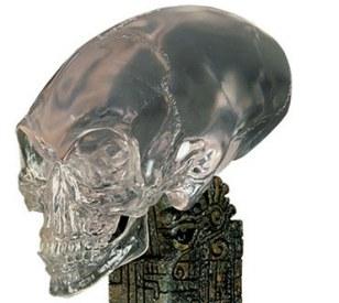 Indiana Jones eo Reino da Caveira de Cristal apresentava um crânio alienígena cônica semelhante à encontrada no Peru