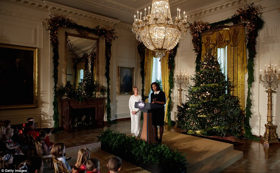 White House Christmas Michelle Obama Unveils Holiday