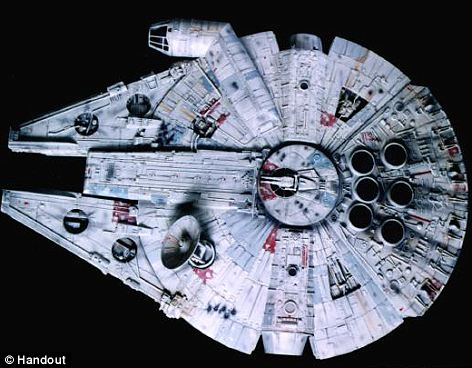The sonar picture of the unidentified object resembles the famed Star Wars ship the Millennium Falcon