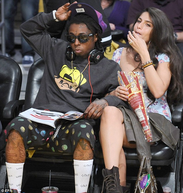 Lil Waynes Girlfriend Shows Off Sparkler At Los Angeles