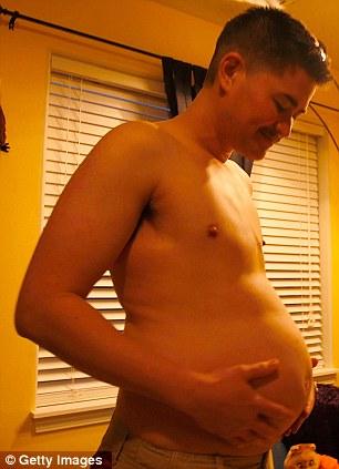 Thomas llegó a ser conocido en todo el mundo después de las imágenes se hará pública, de primer hombre embarazado del mundo
