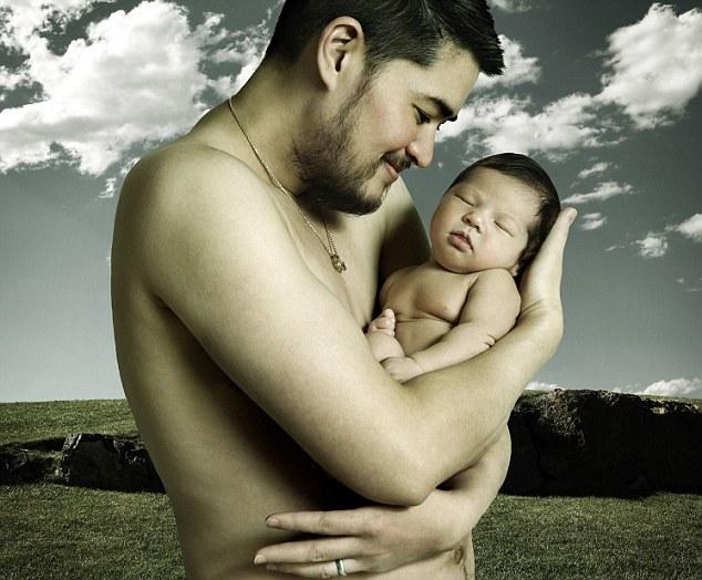 Thomas y su hijo mayor, Susan Juliette Beatie poco después de su nacimiento