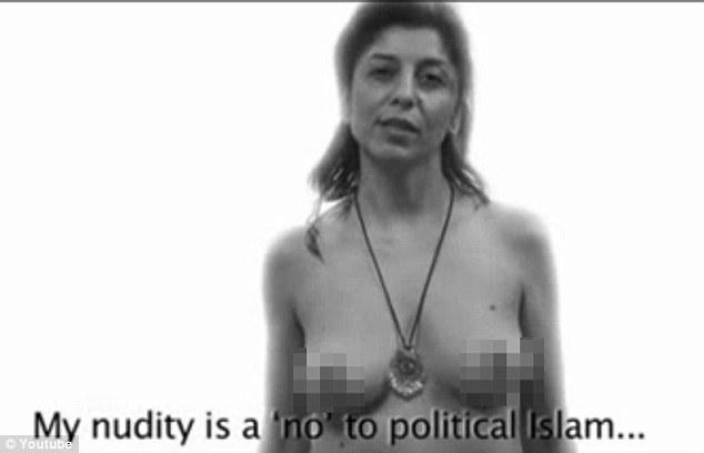 Convocatoria de la libertad: Cada una de las mujeres se acompaña en la película por un lema desafiante expresar su apoyo a los derechos de las mujeres más