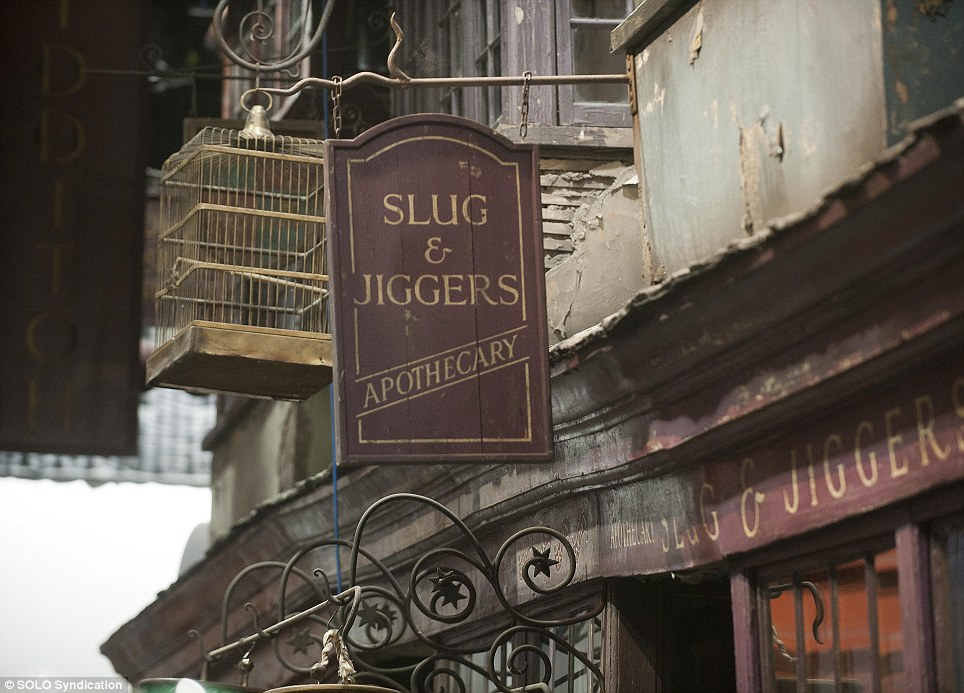 Slug and Jiggers Apothecary shop along Diagon Alley