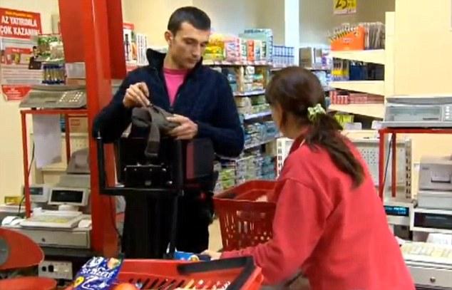 Η συσκευή έχει ξεσηκώσει κατάστημα σούπερ μάρκετ του Γιουσούφ