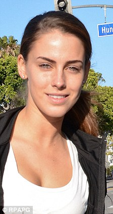 90210s Jessica Lowndes Steps Out Make Up Free Daily