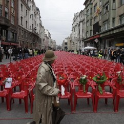 Red Chairs Sarajevo Windsor Chair Makers Bosnia Remembers: 11,541 Empty Laid Out In Memory Of Dead 20 Years After ...